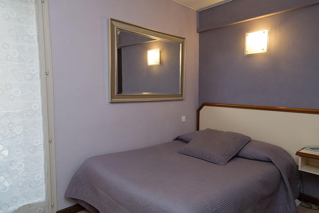 Hôtel la Farigoule - Chambre simple single - Sainte-Cécile-Les-Vignes