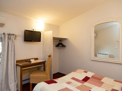 la-farigoule-hotel-restaurant-chambre-simple-single-sainte-cecile-06